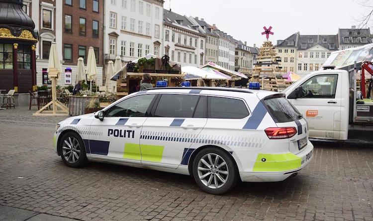 """""""חשב שזאת מונית"""": נכנס עם 1,000 ג'וינטים לניידת משטרה"""