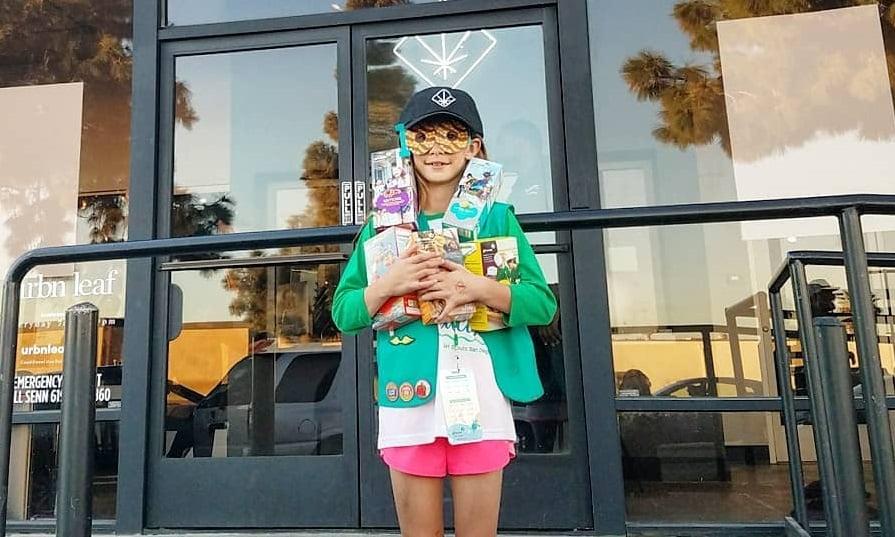 חכמה: בת 9 פתחה דוכן עוגיות מול חנות קנאביס חוקית