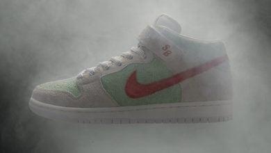 """Photo of לכבוד יום הקנאביס: נייקי משיקים נעלי """"ווייט ווידו"""""""