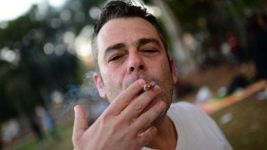 מעשן ג'וינט ישראל (צילום: תומר נויברג, פלאש90)
