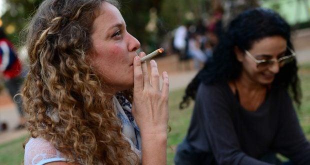 Израиль курит сустав (Фото: Tomer Neuberg, Flash 90)