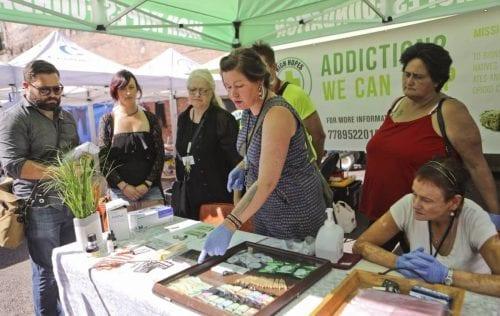 שרה בלית' מציעה קנאביס בחינם למכורים לסמים בקנדה