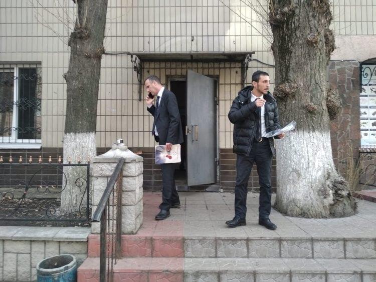 עורכי הדין ניר יסלוביץ ודניאל פאר בקייב, אוקראינה
