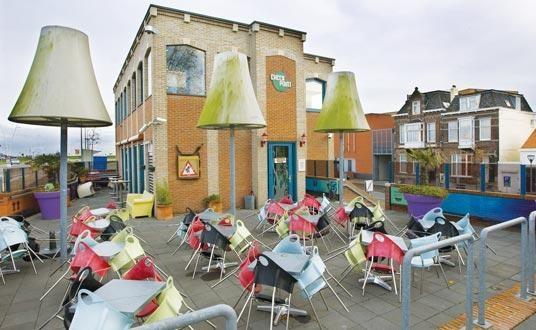 המתחם הנטוש של Checkpoint Cafe - לשעבר הקופישופ הכי גדול בהולנד