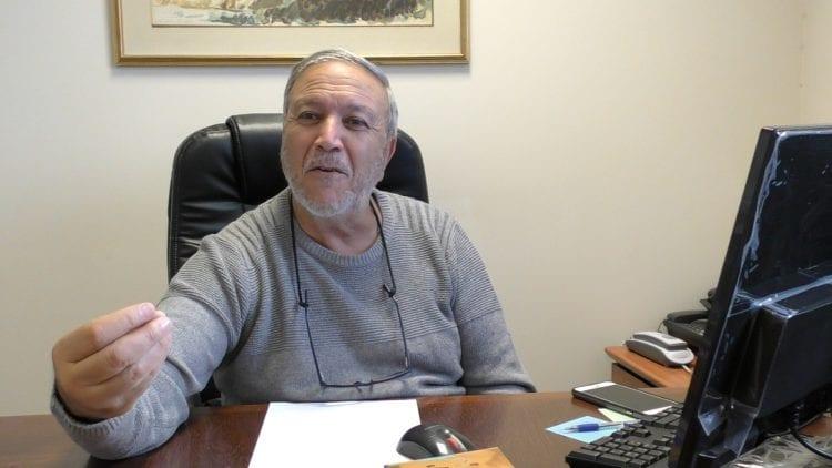 """رافائيل أتياس من مركز يهود إفريقيا: """"سوف يرشون الحشيش على كوسوس"""""""