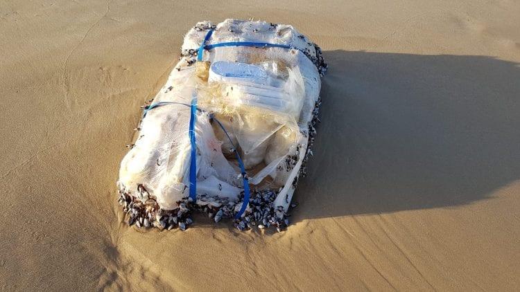 שק חשיש בחוף ים אשדוד