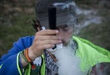 ישראלי מעשן צ'ילום קנאביס