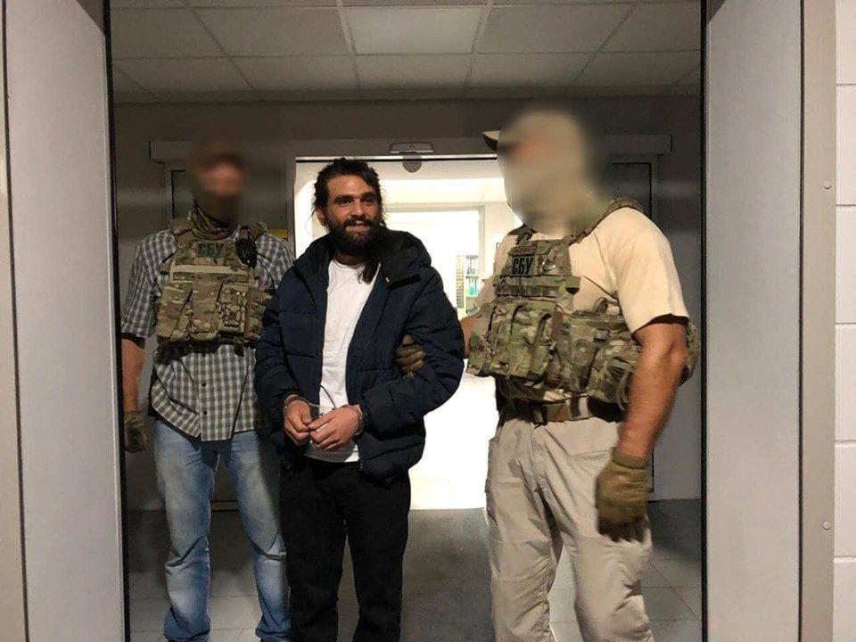 עמוס סילבר בעת מעצרו על ידי משטרת אוקראינה