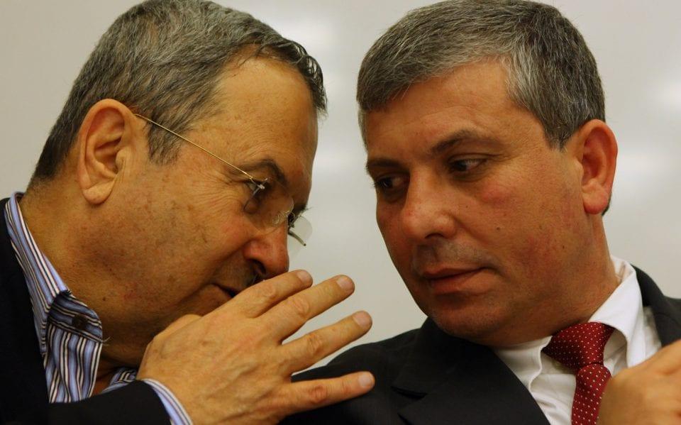 Shalom Simhon with Ehud Barak (Photo: Kobi Gideon, Flash 90)