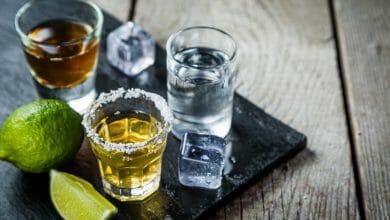 צ'ייסרים עם סוגי אלכוהול כוסות
