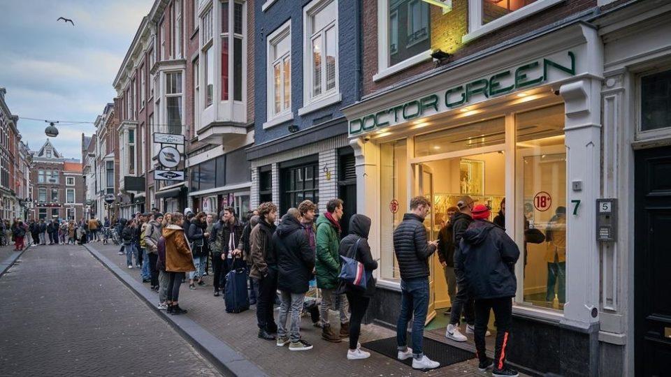 תורים בכניסה לקופישופ, אמסטרדם, בעקבות קורונה