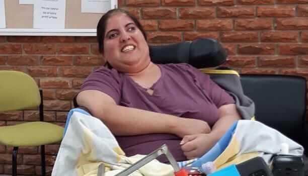 נטלי, נכה סיעודית. משרד הרווחה מסרב לאפשר לה טיפול בקנאביס רפואי